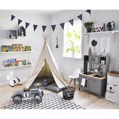"""""""August lekrum (som oftast har alla saker mitt på golvet i en hög)! Det är verkligen lyx att kunna ha ett sovrum på övervåningen och ett annat att leka i på undervåningen och nära till kök och vardagsrum. Tror inte han förstår hur bra han har det! #kidsroom"""" Photo taken by @josefin_karsbergnetz on Instagram, pinned via the InstaPin iOS App! http://www.instapinapp.com (04/02/2016)"""