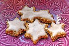 Zimtsterne, vegan (Rezept mit Bild) von --kamikaze--   Chefkoch.de Vegan Christmas, Christmas Treats, Cake Vegan, Vegan Sweets, Vegan Food, Vegan Baking, Vegan Recipes, Food Porn, Xmas