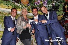 In der Bar Roy in München luden Die Cappuccinos gestern zur Albumpräsentation. Auch Claudia Jung kam um die Jungs zu unterstützen.