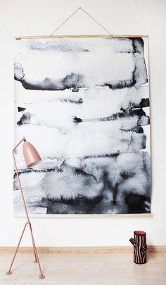 wall-hanging-bwhite