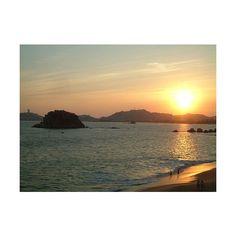 Con una vida nocturna conocida en todo el mundo, Acapulco vibra las 24 horas. A punto de irnos a dormir en #Acapulco. #BestDay | BestDay.com.mx #verano #OjalaEstuvierasAqui