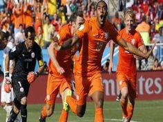 डच टीम ने साबित की अपनी बादशाहत http://www.jagran.com/news/sports-netherlands-beat-chile-by20-11420828.html #FIFAworldcup2014   #NetherlandsvsChile