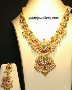 flat_diamonds_peacock_necklace.jpg 685×849 pixels