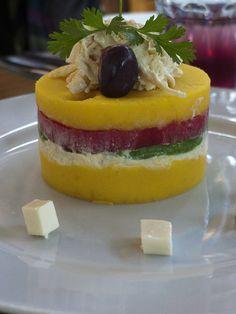 2010 - Comida peruana, causa rellena, servida en el restaurante de Don Cucho | Flickr: Intercambio de fotos