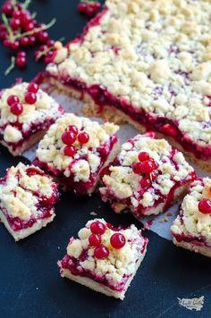 rybízový koláč Plum Crumble, Pecan Bars, Baking Flour, Shortbread Crust, How Sweet Eats, Sweet Recipes, A Food, Food Processor Recipes, Sweet Treats