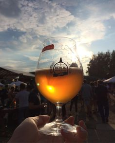 Beautiful skies and brews at @berlinbeerweek this eve! #craftbeerporn #craftbeernotcrapbeer #berlinbeerweek