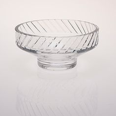 HELENA TYNELL - Glass bowl for Riihimäen Lasi Oy, Finland.   [h. 11,5 cm, Ø 25 cm] Glass Design, Design Art, Bukowski, Finland, Modern Contemporary, Decorative Bowls, Retro Vintage, Pottery, Gate Valve