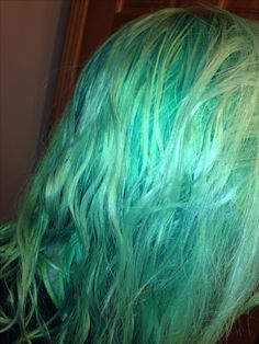 pastel sea green hair