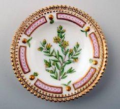 Royal-Copenhagen-Flora-Danica-caviar-dish-20-3501