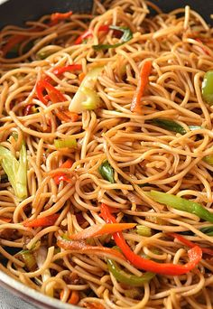 The very best and easy authentic lo mein recipe is what you need to fix your dinner or lunch under 30 mins! Stir-fry vegetables, amazing sauce mix all tossed together with egg noodles make the best re Vegetarian Recipes, Cooking Recipes, Healthy Recipes, Easy Recipes, Sauce Recipes, Oven Recipes, Vegetarian Cooking, Vegetable Lo Mein, Vegetable Stir Fry