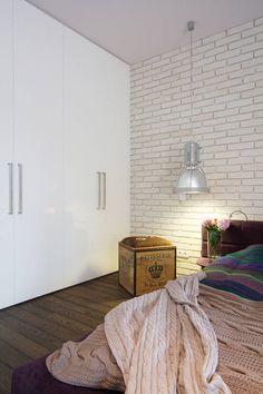 Sypialnia z szafą w zabudowie