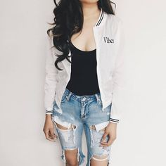 Tips for short curvy girls that& make you look better than ever Teen Fashion, Fashion Outfits, Vogue Fashion, Casual Outfits, Cute Outfits, Fashion Corner, Tumblr Outfits, Types Of Fashion Styles, Passion For Fashion