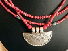 Collar étnico de plata, coral y turquesas