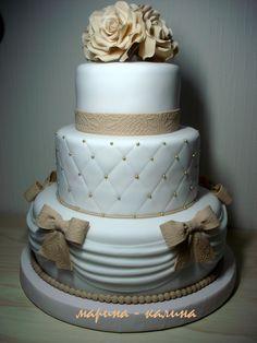 Свадебный бежевый торт