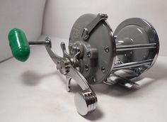Vintage PENN Monofil No. 25 Grey Conventional Saltwater Fishing Reel Surf Boat #Penn
