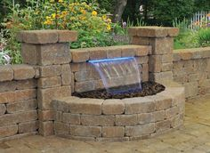 Home outdoor living space decoration ideas with brick retaining wall design ideas small backyard wall fountains patio designing Diy Water Feature, Backyard Water Feature, Diy Fountain, Fountain Design, Stone Garden Fountains, Wall Fountains, Outdoor Fountains, Retaining Wall Design, Retaining Walls