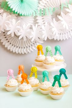 Horse Party Favors, Pasta Crafts, Diy And Crafts, Crafts For Kids, Pony Party, Snacks Für Party, Pasta Noodles, Diy Party Decorations, Perfect Party