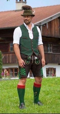 Tracht and hat with gamsbart Mens Lederhosen, Folk Costume, Costumes, Fashion Wear, Mens Fashion, Hansel Y Gretel, German Men, Folk Clothing, Wool Socks