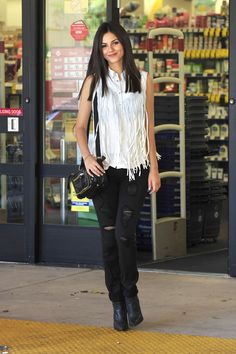 Victoria Justice  #StreetStyle