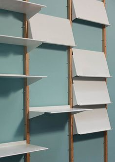Revolver shelf by Henny van Nistelrooy Display Shelves, Storage Shelves, Storage Spaces, Display Cabinets, Metal Shelves, Wall Shelves, Espace Design, Magazine Storage, Shelving Systems