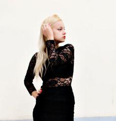 Tubino nero in pizzo effetto vedo non vedo, Teresa Morone ,theFashiondiet fashion blog,