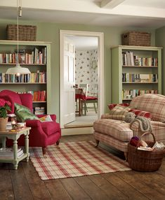 Green and Red Living Room Idea Best Of soft Green and Red Farmhouse Living Room In 2019 Country Cottage Living, Cottage Living Rooms, Cottage Interiors, English Living Rooms, Cozy Cottage, Cottage Style, Living Room Red, Home And Living, Living Room Decor
