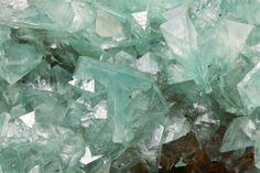 Beautiful Minerals - bijoux-et-mineraux:   Adamite - Ojuela Mine,...