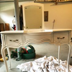 French Provincial Flip Top Vanity With Mirror | Have To Show Laurau0026Courtney  For Barn | Pinterest | French Provincial, Vanities And Shabby