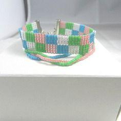 Bracelet tissé en perles miyuki rose bleu vert blanc