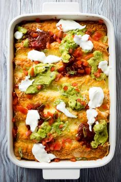 The best breakfast enchiladas! This easy breakfast enchilada casserole uses leftover rotisserie chicken. You'll love this overnight enchilada bake recipe. Breakfast For A Crowd, Savory Breakfast, Breakfast Recipes, Breakfast Ideas, Overnight Breakfast, Breakfast Club, Rotisserie Chicken Casserole Recipe, Leftover Rotisserie Chicken, Enchilada Casserole