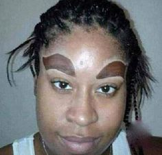 Ridiculous Big Eyebrows – Makeup Fail – So Funny Epic Fails Pictures Big Eyebrows, How To Draw Eyebrows, Eyebrows On Fleek, Worst Eyebrows, Funny Eyebrows, Perfect Eyebrows, Bad Makeup, Domingo, Funny Pictures
