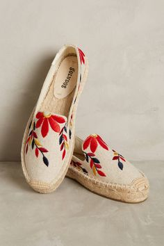 Slide View: 1: Soludos Embroidered Floral Espadrilles