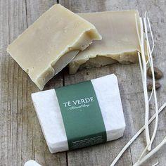 Jabón de té verde | Jabones artesanales antioxidantes #jabonesnaturales #jabones #soaps #cosmeticanatural #cosmetics #greentea #teverde #arboldete