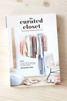 das kleiderschrank projekt systematisch zum eigenen stil und zu bewusstem modekonsum haushalt. Black Bedroom Furniture Sets. Home Design Ideas