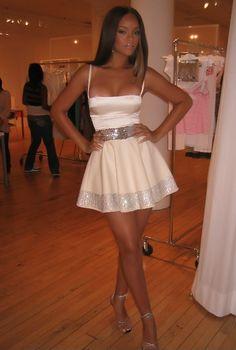 What a gorgeous dress!!
