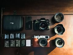 More and more people are choosing mirrorless cameras over digital single reflex lens cameras (DSLRs). Some do it because they are transition