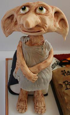 Harry Potter - Dobby the house elf cake Harry Potter Torte, Harry Potter Birthday Cake, Theme Harry Potter, Harry Potter Food, Harry Potter Wedding, Fantasy Cake, Themed Birthday Cakes, Crazy Cakes, Novelty Cakes