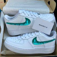 Dr Shoes, Cute Nike Shoes, Swag Shoes, Cute Nikes, Nike Air Shoes, Hype Shoes, Nike Sneakers, Sneakers Fashion, Fashion Shoes