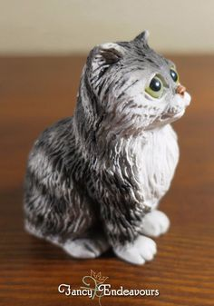 """Big Eyed Striped Kitty Cat Figurine Byers Choice? Glass Eyes Signed """"R"""""""