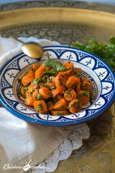 Khizou Mchermel, salade de carottes marocaine - Cooks In Colours - M I A M - Salade High Protein Recipes, Healthy Dinner Recipes, Easy Ratatouille Recipes, Easy To Digest Foods, Moroccan Carrots, Healthy Rice, Eating Healthy, Low Fat Yogurt, Whole Wheat Pasta