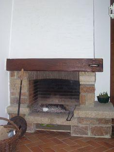 Chemin e en granit un peu vieillotte id es - Peinture pour hotte de cheminee ...
