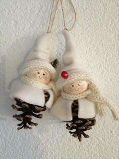 Christmas Makes, Christmas Items, Felt Christmas, Homemade Christmas, Rustic Christmas, Christmas Projects, Diy Christmas Ornaments, Christmas Wreaths, Christmas Decorations