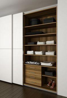Closets e guardaroupas bem organizados  Guarda roupas