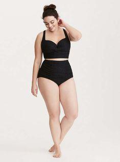 Plus Size Crochet Twist Bikini Badeanzug - Plus Size Badeanzug - Facha ❤️ - Plus Size Bikini Bottoms, Women's Plus Size Swimwear, Curvy Swimwear, Trendy Swimwear, Bikini Tops, Bikini Swimsuit, Look Plus Size, Plus Size Model, Plus Size Style