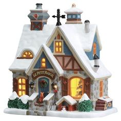 Buy Lemax - Le Petit Manor in the Felinaworld webshop. Part of Lemax Caddington Village ✓ Order Lemax before ➜ shipped the same day. Grinch Christmas Tree, Christmas Town, Christmas Villages, Victorian Christmas, Christmas Crafts, Village Lemax, Christmas Village Display, Village Miniature, Succulent Garden Diy Indoor