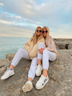 See more of hannahgrahammm's content on VSCO. Beach Best Friends, Best Friends Shoot, Best Friend Poses, Best Friend Outfits, Cute Friends, Cute Friend Pictures, Friend Photos, Bff Pics, Best Poses For Pictures