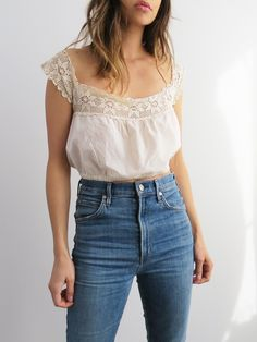Summer style with high waisted jeans