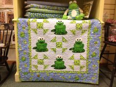Love this Frog quilt- ADORABLE