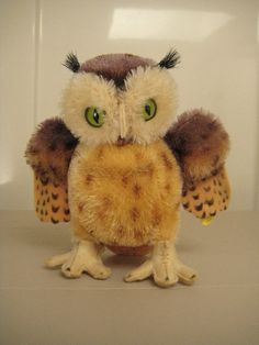 Wooooo thinks I'm cute??  Steiff Vintage Wittie Owl - Original EAN 4314 and Raised Script Button – Born between 1954 and 195