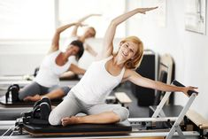 The Pilates reformer can be a scary looking machine, but is an elegant resistance exercise equipment. Here is an introduction to its parts and functions.: An Overview of the Pilates Reformer Pilates Training, Pilates Workout, Pilates Reformer Exercises, Pilates Barre, Yoga Exercises, Pilates Poses, Foam Roller Exercises, Fitness Pilates, Pop Pilates
